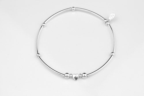 Dainty silver heart stretch bracelet | CeFfi