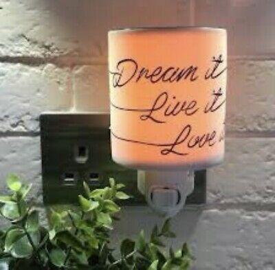 Dream it, Live it, Love it Mini Scentsy Warmer with Wall Plug