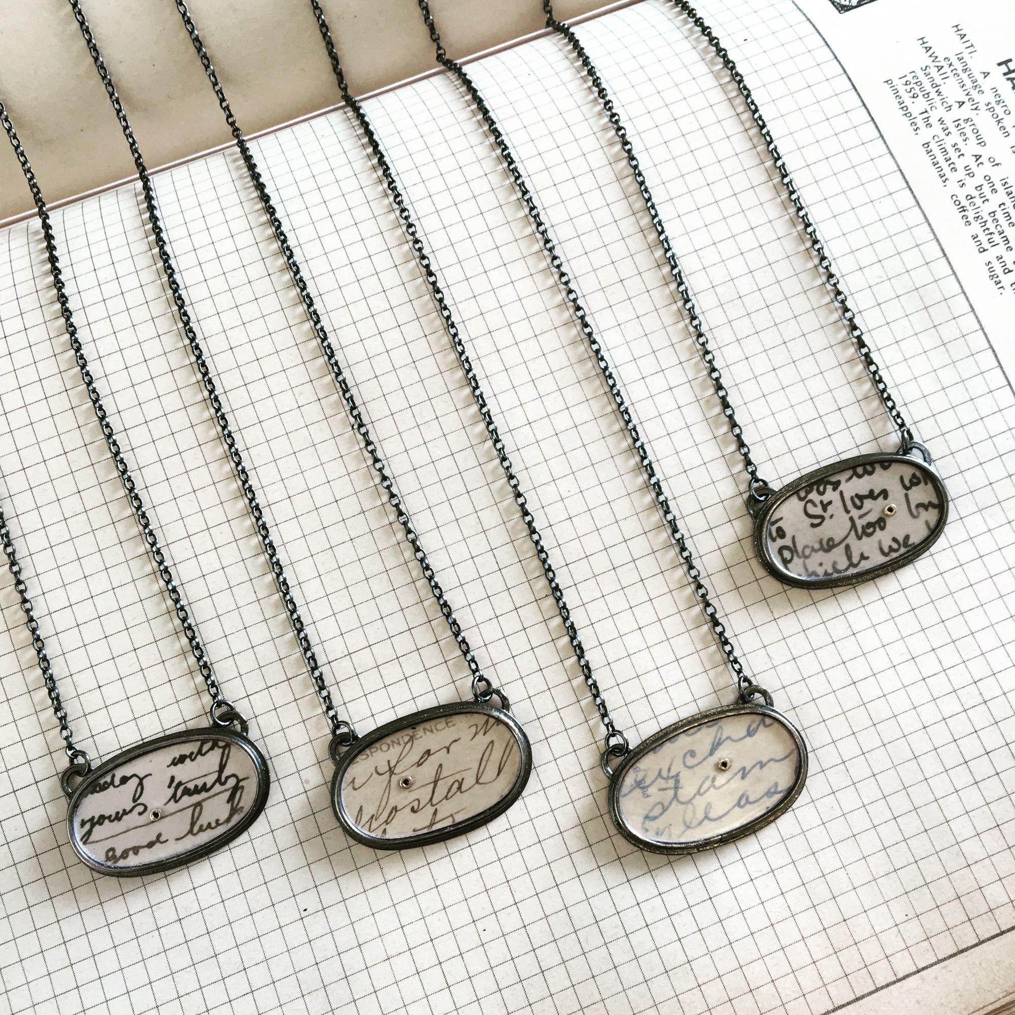 Necklace_horizontal_oval2