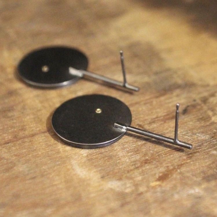 Earrings_Dot_Stick9