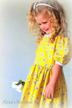 Vintage style Molly Dress in Tiger lily yellow rose