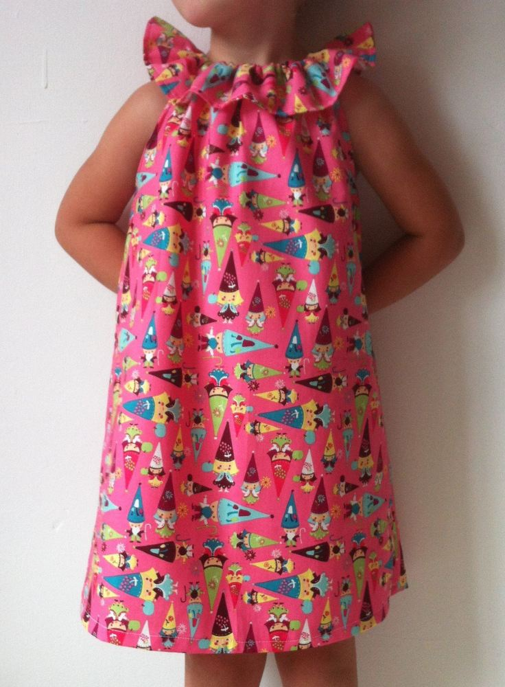 Pink Gnome flutter sleeve dress Age 4-5