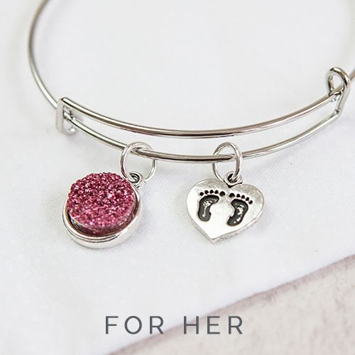 Let her know how wonderful she is this Mother's Day with a personalised bangle