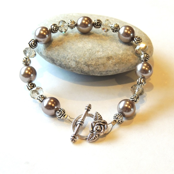 Brown Gl Pearl Rose Beaded Bracelet