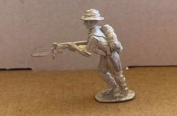 CMF03: 28mm WWII Australian Militiaman with Rifle