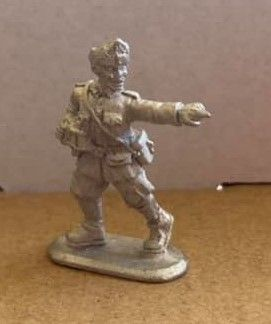 H01: 28mm Hungarian Officer