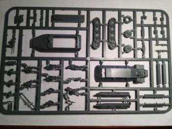 Reinforcements: 20mm PSC SdKfz 251/D German Halftrack complete Single Sprue