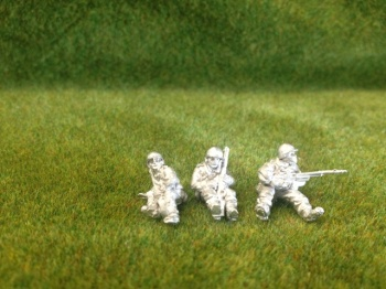 GI18a - US GI Seated Figures with weapons (6)