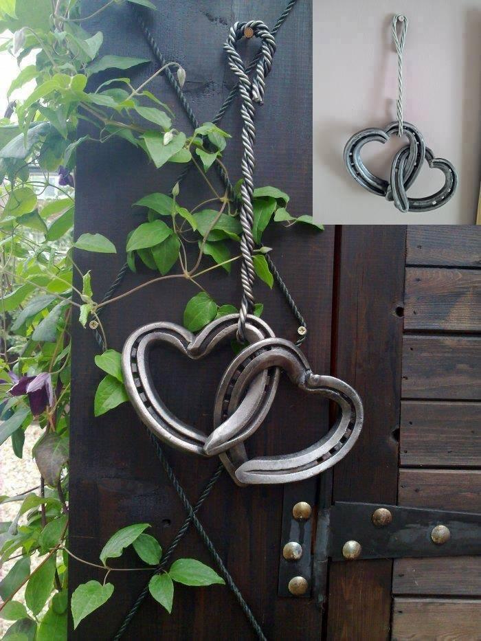 Horseshoe Love Hearts