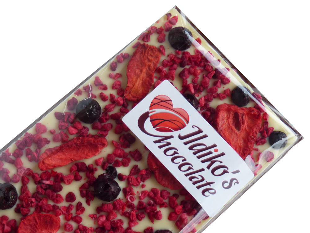 <!--024-->White Chocolate Slab with Strawberries, raspberries and blackcurr