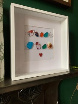 Birdie picture in white frame