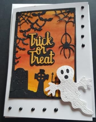 GC 2019 - Halloween - Trick or Treat - grave at sunrise with ghost c6 card