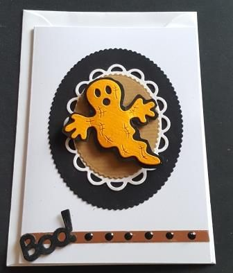 GC 2019 - Halloween- Boo! cute ghost in yellow on oval frame bg C6 white c