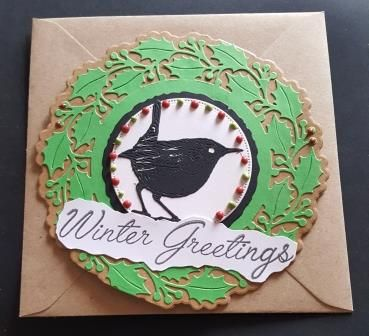GC 2019 - Christmas - Robin Winter Greetings on holly wreath shaped Kraft c