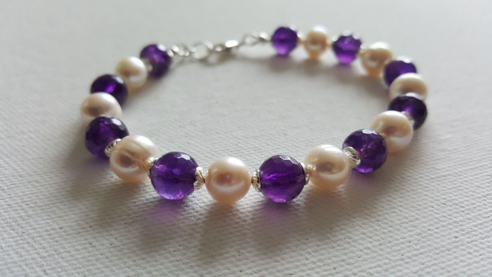 Sweet Violet Amethyst and Pearl Bracelet