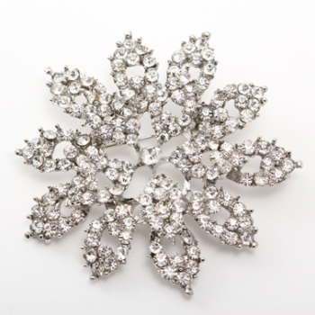 DIAMANTE POINTED FLOWER BROOCH
