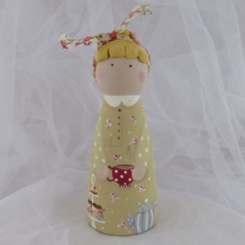 'High tea' 12 cm tall 'peg' person