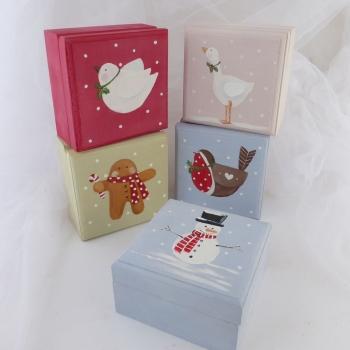 mini boxes Christmas