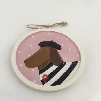 sausage dog with black beret