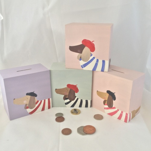 money box - sausage dog