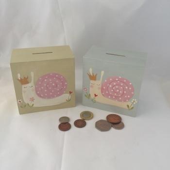 money box - snail