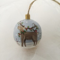 bauble reindeer with holly