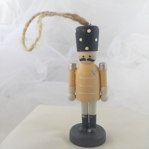 nutcracker style peg person small dangley #2