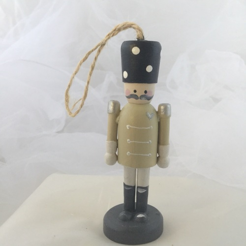 nutcracker style peg person small dangley #3
