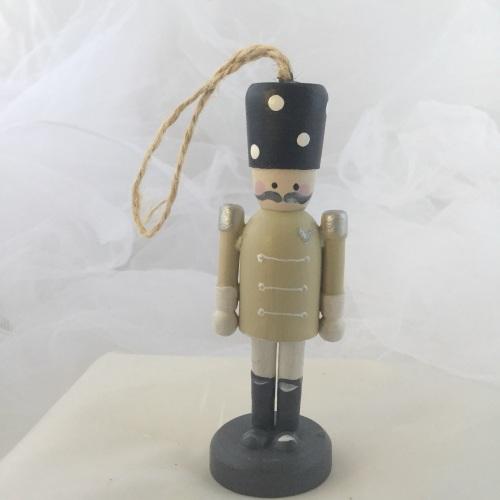 nutcracker style peg person small dangley #3