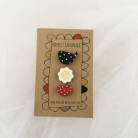 trio of pins - blackbird, daisy, heart