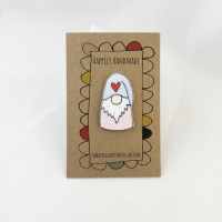 gonk/tomte pin - pink jumper, heart hat