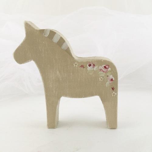 small horse - rosie garland, putty