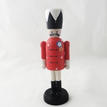 12 cm nutcracker style peg person, red