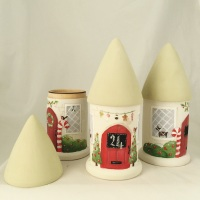 Christmas mini round house pot