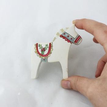 Tiny Dala horse - holly