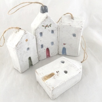 Set of 4 dangly houses