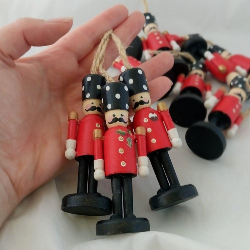 9cm hanging nutcracker style peg person, red