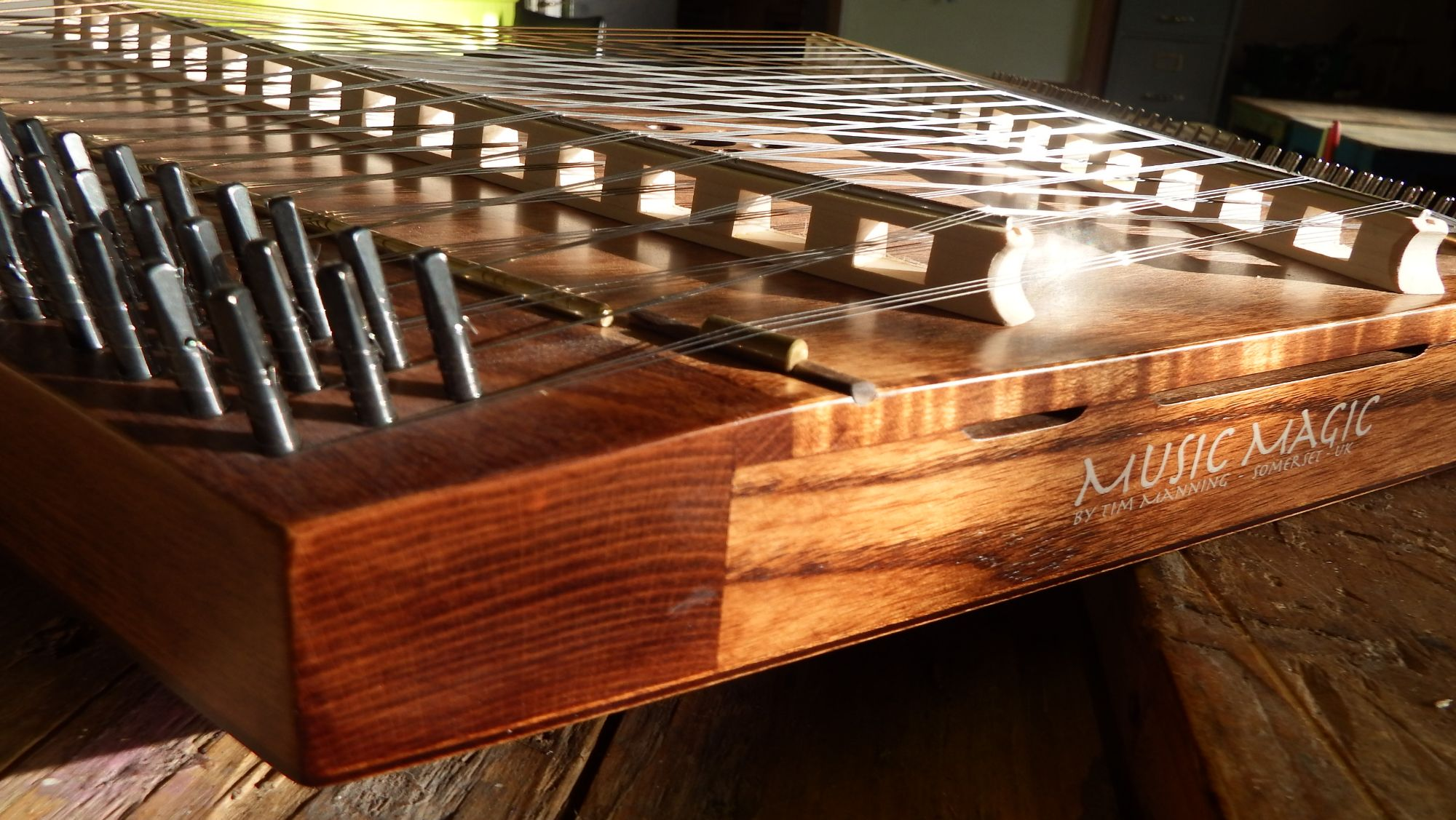 Edge binding dulcimer by Manning