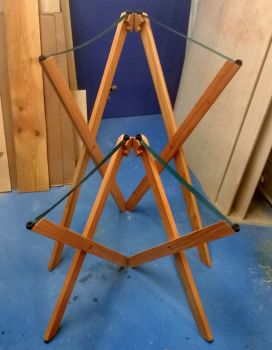 Dulcimer stand for playing standing