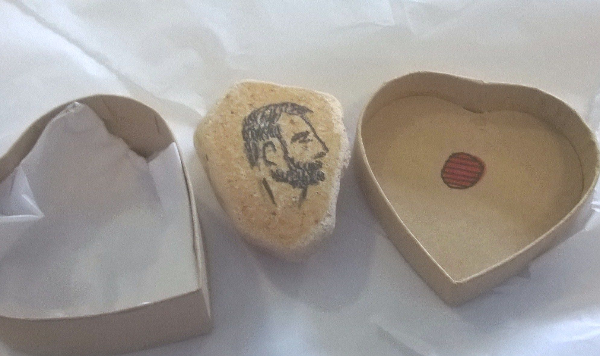 portrait heart box