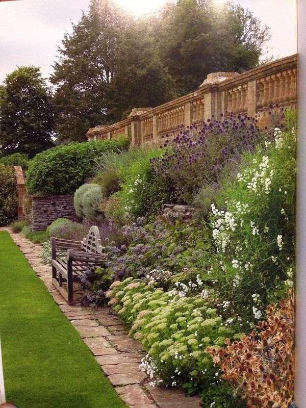 300 Garden Walk: Attraction Hestercombe Gardens, Taunton, UK