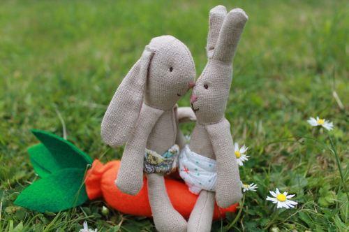 maileg micro bunnies playing