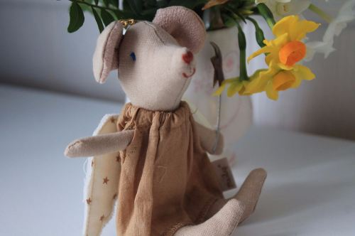 Maileg, angel mouse in a gold shimmering dress