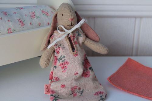 Maileg, Micro bunny with floral sleeping bag set