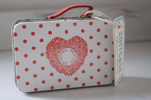 Maileg, Suitcase with Cream and Coral Dots