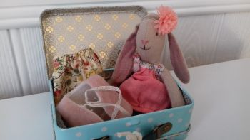 Maileg, Micro Bunny with Weekend Away Suitcase SET**