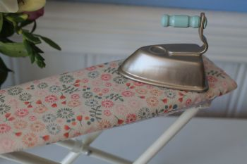 Maileg, Iron and Ironing Board