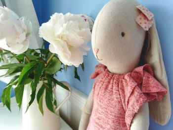 Maileg, Bunny Size 5 with pink bow on head