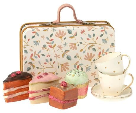 Maileg, Cake Set in Suitcase (Due Late Feb)