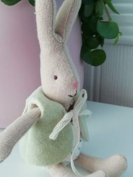 Maileg, Micro Rabbit in Green Jacket